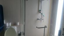 主寝室シャワールーム