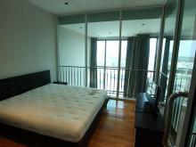 2階ベッドルーム1