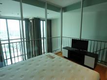 2階ベッドルーム2