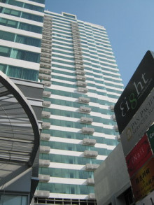 eight_thonglor_residences