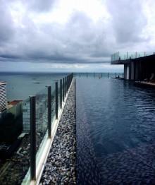 base_pattaya_rooftop_pool